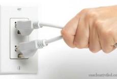 Nguyên nhân tivi bị rò rỉ điện và cách khắc phục