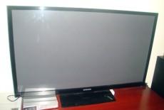 Samsung nói gì về vụ tố tivi bị nứt màn hình