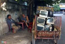 Màn hình máy tính cũ được tái chế thành tivi giá rẻ